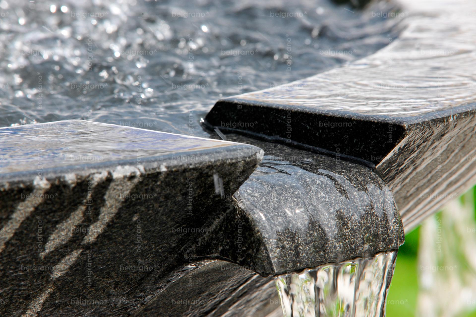 Landesgartenschau in Aschersleben mit einem belgrano® Naturstein Brunnen aus Basalt - Detailaufnahme