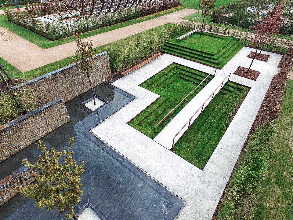 IGA 2017 in Berlin - Gartenkabinett Brasilien - mit belgrano® Naturstein Bodenplatten aus Diorit und Naursteinriehmchen aus Schiefer