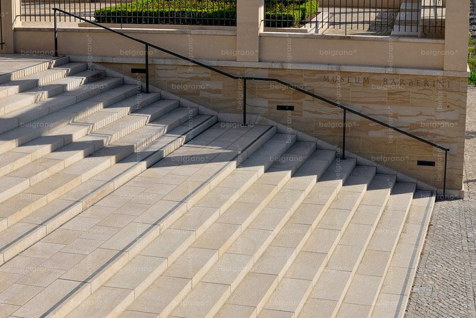 Museum Barberini in Potsdam mit belgrano® Naturstein Blockstufen aus Granit